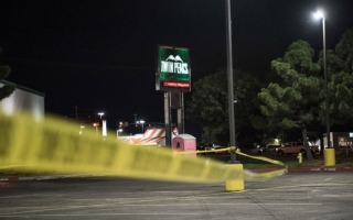 Photo: Mexican border town gripped by fear after gunbattle kills 22