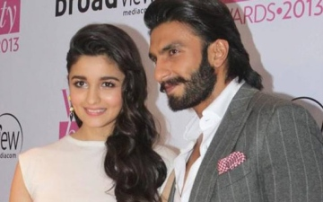Photo: Alia-Ranveer at Dharma, sparks speculation