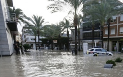 Photo: Death toll rises to 6 in torrential rains in southeast Spain