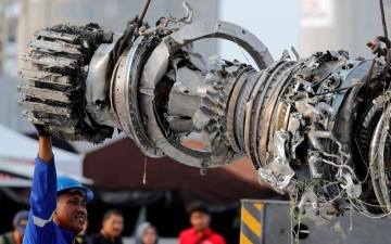 Photo: Indonesia finds design flaw, oversight lapses in 737 MAX crash