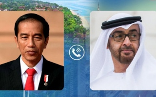 Photo: Mohamed bin Zayed receives phone call from Indonesian President