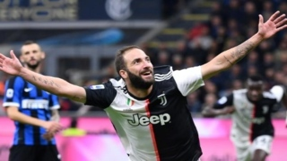 Photo: Higuain winner beats Inter to put Juventus top