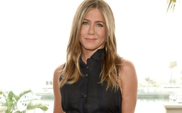 Photo: Jennifer Aniston too 'busy' for love