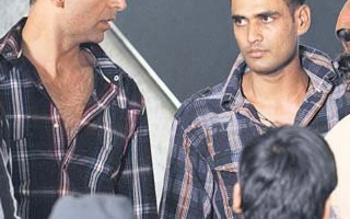 Photo: Akshay directed by body double
