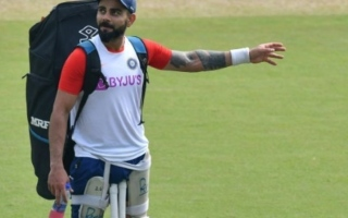 Photo: Kohli hails courageous Maxwell for taking mental health break