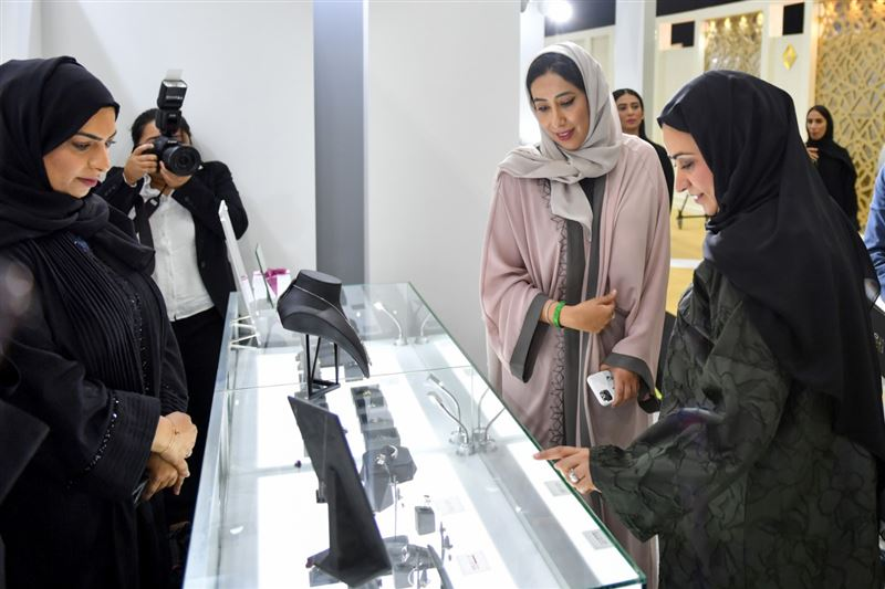 Photo: Mona Al Marri inaugurates Dubai International Jewellery Show 2019