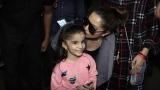 Photo: Shraddha Kapoor kissed a little fan