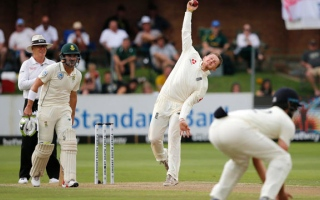 Photo: Winter works wonders for Bess as England take charge against South Africa