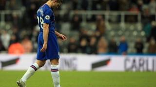 Photo: Premier League wobbles leave top four chase wide open