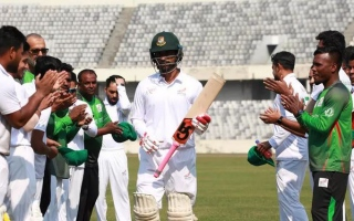 Photo: Bangladesh's Tamim tunes up for Test with record triple ton