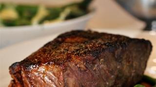 Photo: Restaurant slammed for ladies fillet steak