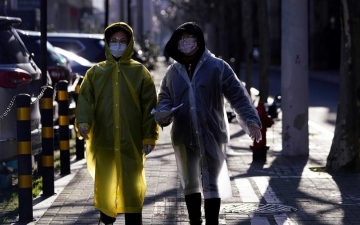 Photo: China says mainland death toll from coronavirus reaches almost 1,900