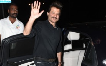Photo: Anil Kapoor's Bollywood Bowfinger!
