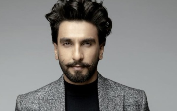 Photo: Ranveer fans do it or him!