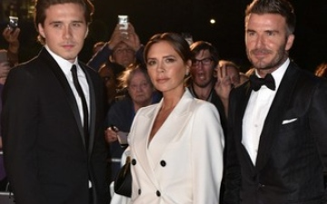 Photo: Victoria Beckham could 'not be happier' for son Brooklyn Beckham after engagement