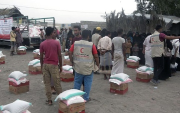 Photo: UAE continues to deliver food assistance to Yemen's Red Sea Coast