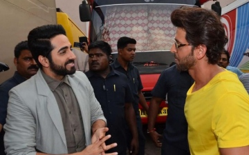 Photo: Ayushmann beats Hrithik to China